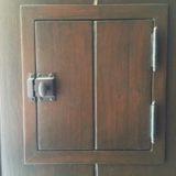 speak-easy-door-